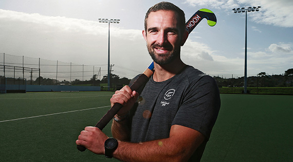 Black sticks CG